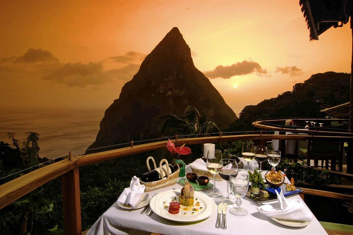 10 dintre cele mai frumoase restaurante ale lumii Dasheene St Lucia 1