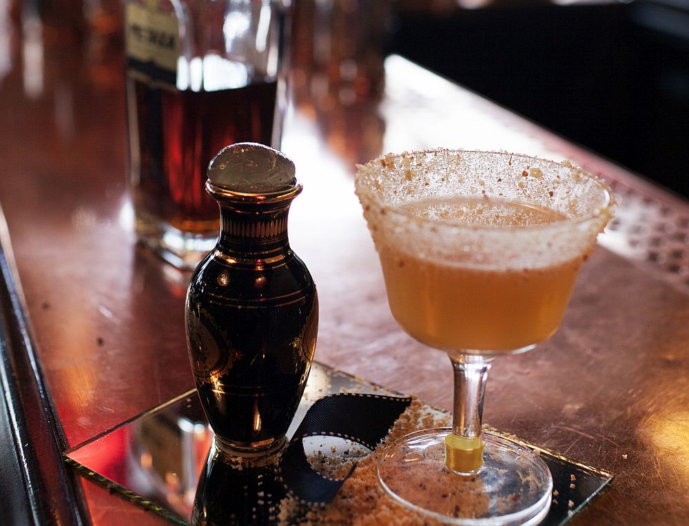 Metaxa Oia Cu André Cavalheiro, ambasador Metaxa, despre cocktailuri și viața ca bartender Cu André Cavalheiro, ambasador Metaxa, despre cocktailuri și viața ca bartender IMG 2521