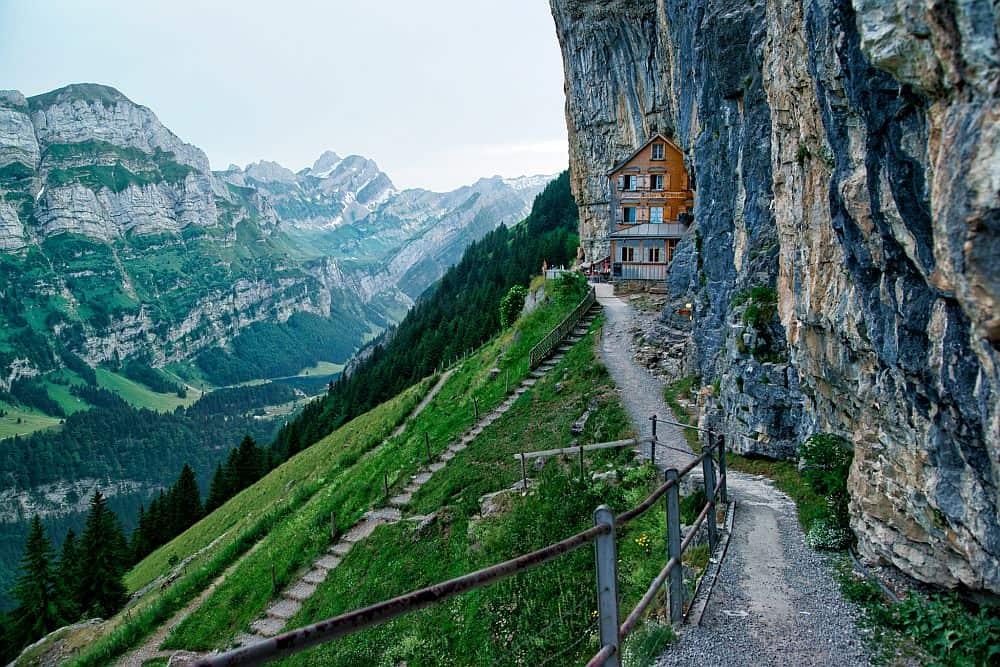 aescher3  Aescher Cliff, un restaurant la înălțime aescher3