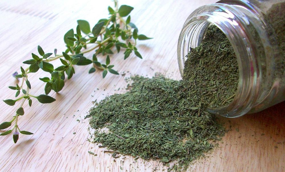 Foto: topfoodfacts.com  Condimentele - ghid de utilizare cimbru