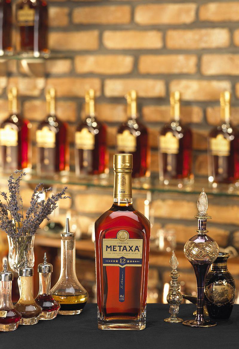 metaxa2 Cu André Cavalheiro, ambasador Metaxa, despre cocktailuri și viața ca bartender Cu André Cavalheiro, ambasador Metaxa, despre cocktailuri și viața ca bartender metaxa2