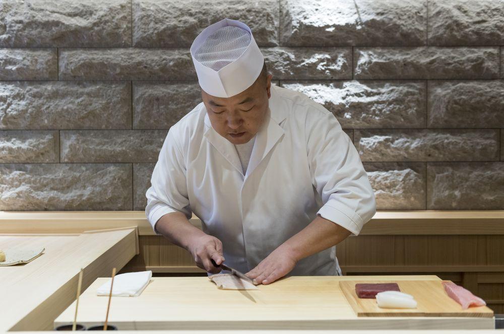 sushi shin chef